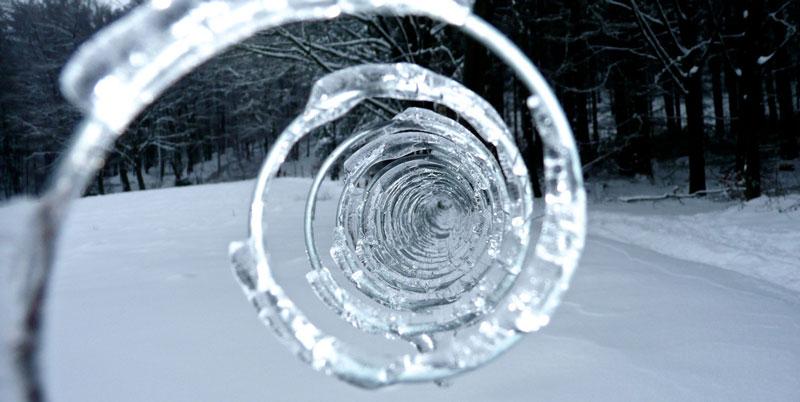 Шедевры природы из снега и льда
